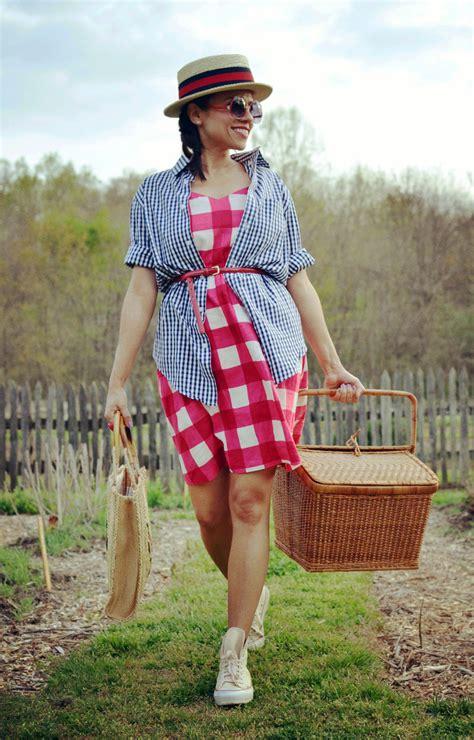wear   picnic  small wardrobe