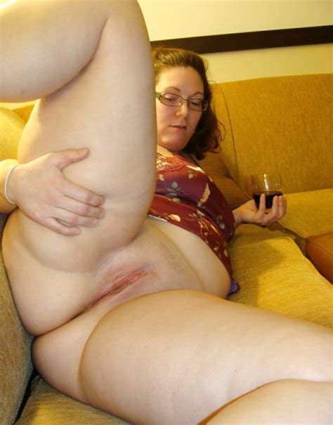 chubby wife shows her freshly shaved twat