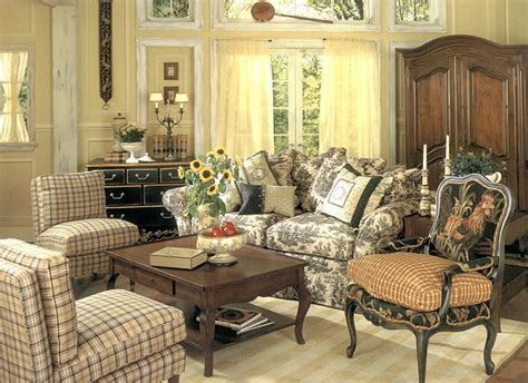 French Country Living Room Sets Jacob Coffee Table Legs For A Zuo With Seats Underneath Pierre Vandel Paris Clear Tables American Furniture Display Uk