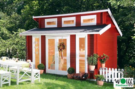 gartenhaus isoliert bausatz blockhaus dachform vom gartenhaus fachh 228 ndler