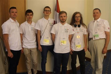 Latvijas skolēns izcīna bronzas medaļu Pasaules informātikas olimpiādē - Izglītība, vebināri ...