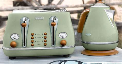 Delonghi Icona Vintage Kettle In Olive Green Gloss