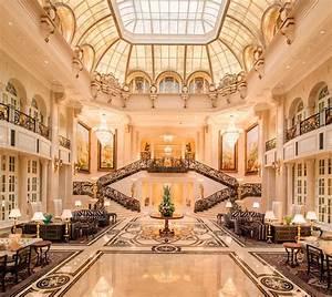 Live Like A King: Starwood Resorts Opens Amazing Castle ...