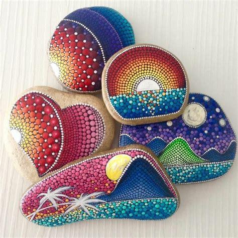 mandala steine bemalen steine bemalen und mandala bilder entstehen lassen 42 mystische beispiele