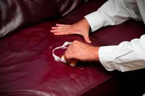 Comment Réparer Un Canapé En Cuir Déchiré : astuces pour shampouiner un canap ou un fauteuil truc de menage leather furniture ~ Mglfilm.com Idées de Décoration