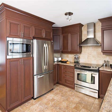 am駭agement d une cuisine fermer le haut des armoires d 39 une cuisine en mélamine en é décoration et rénovation pratico pratique