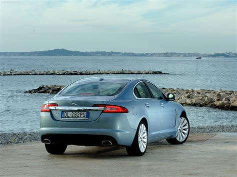 Jaguar XF (2009) - picture 86 of 182