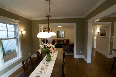 How To Choose The Best Dining Room Paint Brushed Nickel Pendant Lights Multi Color Led Grow Walmart Arrow Of Light Brown Uggs Decor Lighting Home Third Brake