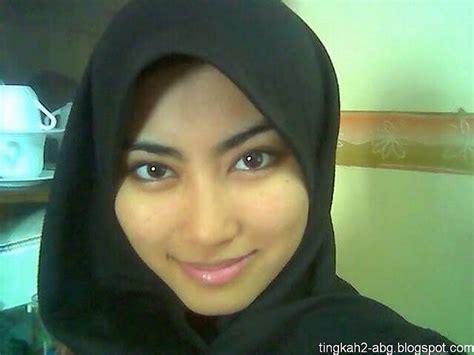awek melayu sangap pretty hijab girl hotel sex