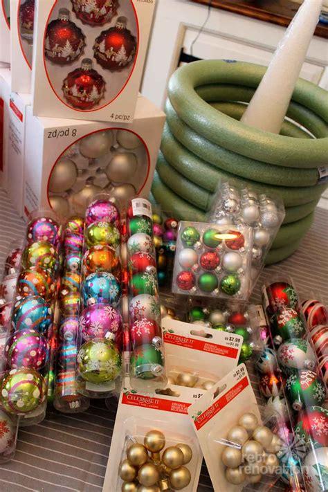 ornament wreaths    christmas ornaments