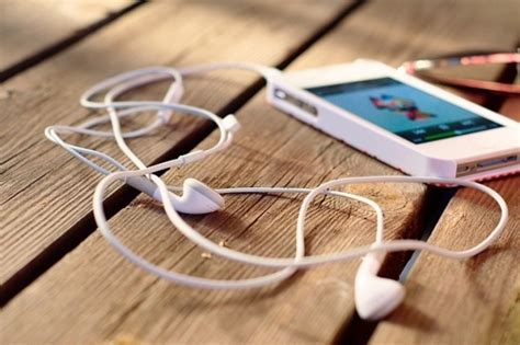 how to listen to radio on iphone one gem great apps