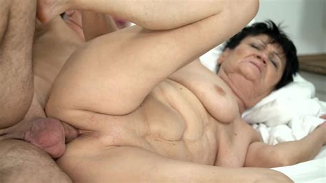 Mature Dame Enjoys Oral Sex With A Young Buddy And