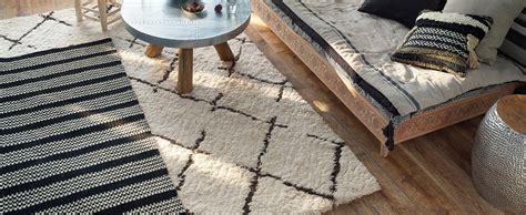 le tapis berbere lincontournable de la saison saint maclou