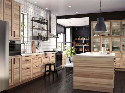 ikea küche holz landhausk 252 chen aus holz bilder ideen f 252 r rustikale k 252 chen im landhausstil k 252 chenfinder