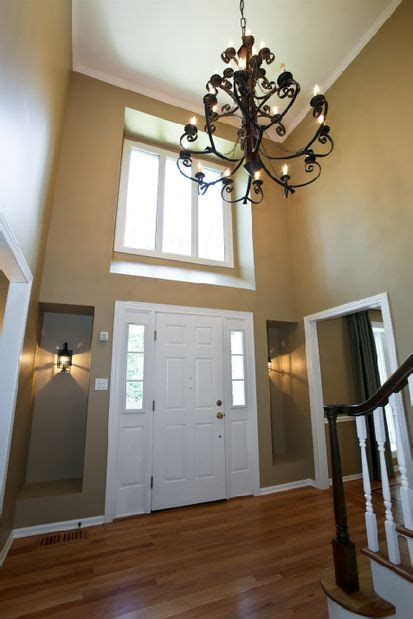 2 story foyer chandelier two story entryway with chandelier dreamhome fantastic