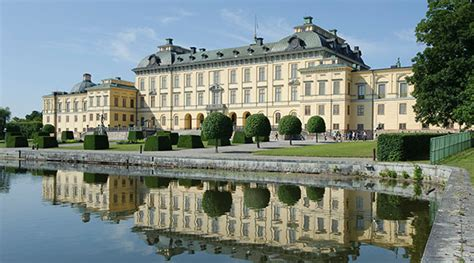Stockholm Boat Tours by Drottningholm Palace Free With The Stockholm Pass