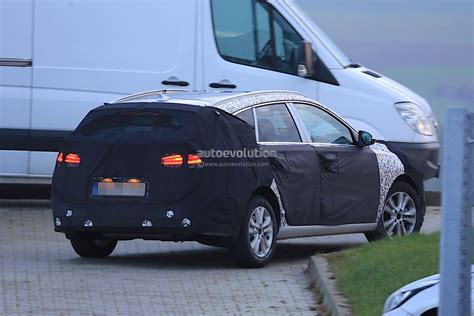 2018 Hyundai I30 Wagon Spied For The First Time