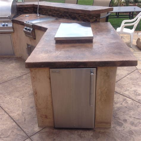 outdoor kitchens and fireplaces cpf custom concrete and