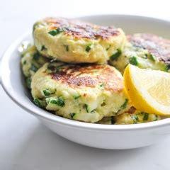 Spicy tuna fish cakes / how to make homemade fish cake. Spicy Tuna Fish Cakes   KeepRecipes: Your Universal Recipe Box