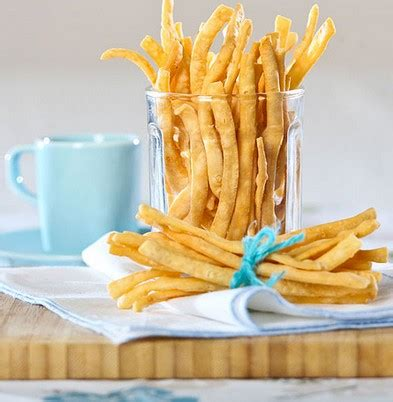 Kamu bisa menyimpan stik bawang ini ke dalam toples kedap udara. Resep Masakan MamaEya: Resep Stik Bawang Sederhana Renyah