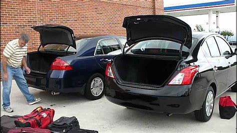 Nissan Versa 2012 Trunk Test - YouTube
