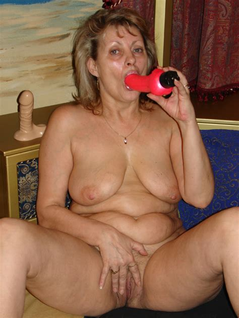 Big titted granny shows us the goods!