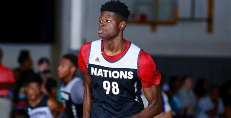 Report Michigan To Host Fivestar Center Mo Bamba For
