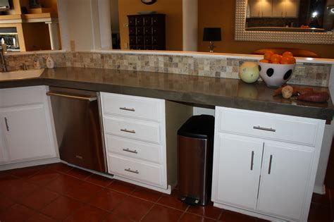 remodelaholic quick install  concrete countertops kitchen remodel