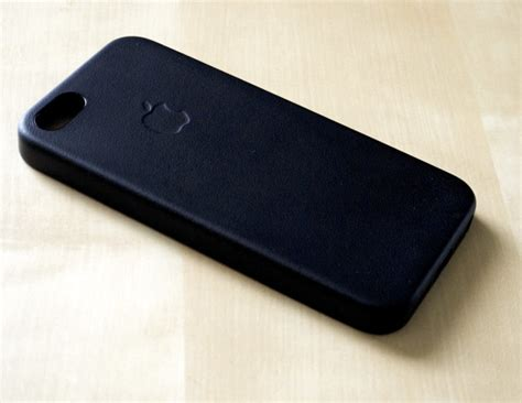 apple iphone 5s leather schwarztech review apple iphone 5s leather