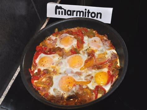 cuisine avec des oeufs œufs au bacon tomates et poivrons recette de œufs au