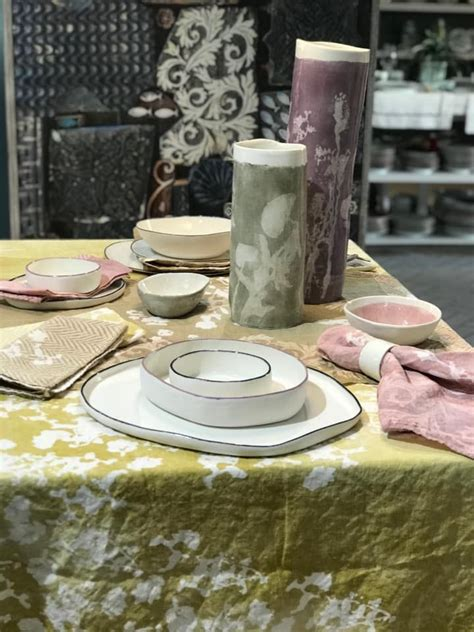 handcrafted porcelain  linen  stamperia bertozzi   stylish tableware handblown
