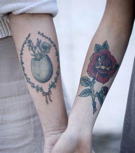 Photo  Deux Tatouages à L'esprit Vintage