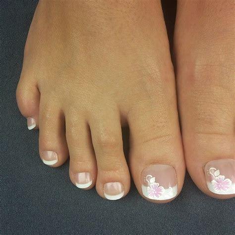 die neuen french nails emojiemojiemoji toenailtips