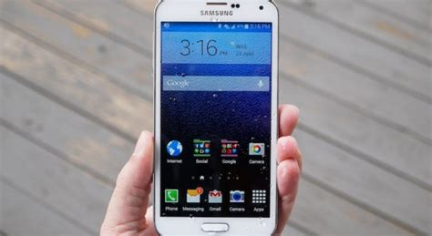 samsung phones take photos without touching the screen