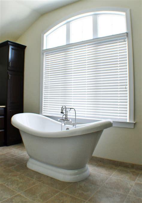 Modern Bathroom Blinds by Wood Blinds In Master Bath Modern Bathroom