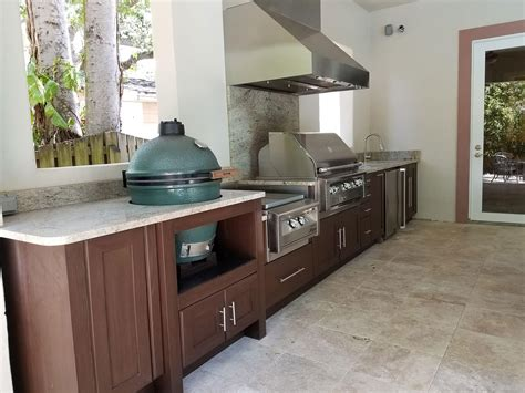 extended linear outdoor kitchen  south tampa