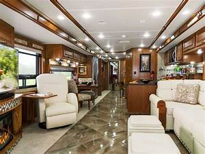 First Class Living : 8 keys to choosing the right rv floor plan the first time and 1 area that matters less than ~ Markanthonyermac.com Haus und Dekorationen