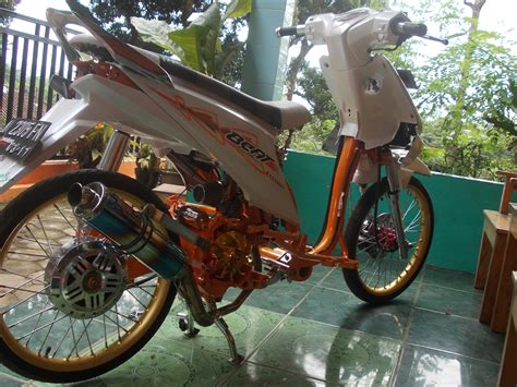 Beat Orange Putih 2014 Modifikasi by Modifikasi Motor Minimalis Modifikasi Beat Putih