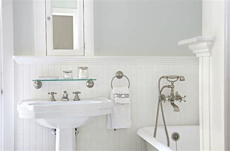 Chair Rail Beadboard : White Beadboard Bathroom