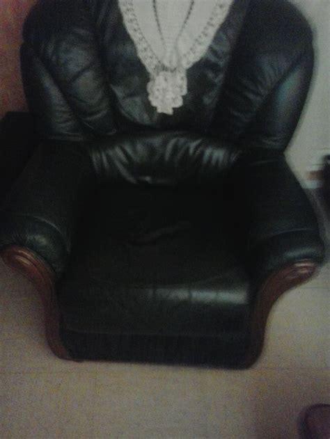trou canapé cuir réparation d 39 un trou dans un canapé sofolk
