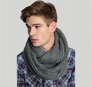 Echarpe En Tube. modele tricot echarpe tube femme. modele a tricoter ... 1370f09b74a