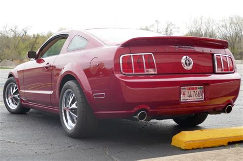 2005 Ford Mustang  MODIFIED RETRO PONY  V6 COUPE  Stock