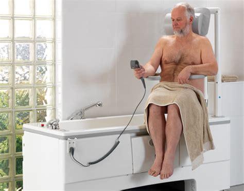 siege pivotant pour baignoire pour handicape siege pour baignoire handicape 28 images si 232 ges et