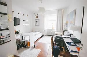 Wg Zimmer Einrichten : einrichtungsidee f r ein ger umiges wg zimmer bett ~ Watch28wear.com Haus und Dekorationen