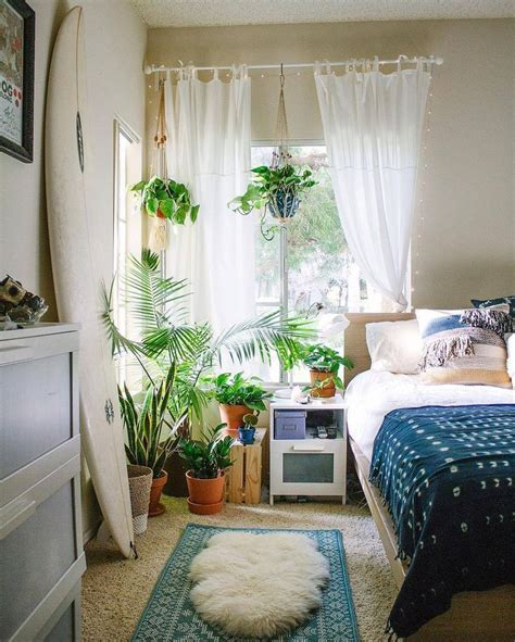Bedroom Designs With Plants by 25 Best Ideas About Bedroom Plants On Plants