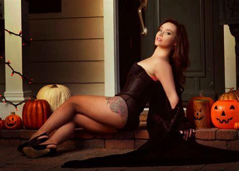 danielle harris sexy danielle harris gorezone photoshoot preview revealed