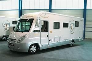 Camping Car Bavaria : bavaria i 7402 lc guide d 39 achat le monde du camping car ~ Medecine-chirurgie-esthetiques.com Avis de Voitures
