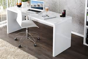 Bureau Etroit Design by Royale Deco