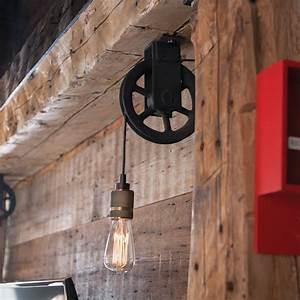 Luminaire Style Industriel : luminaire poulie de style industriel salon inspirations d coration et r novation pratico ~ Teatrodelosmanantiales.com Idées de Décoration