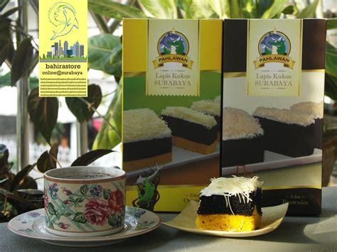 Perbedaannya, kue lapis kukus satu ini dibuat dengan bahan dasar singkong. Jual Lapis Kukus Surabaya Pahlawan Edisi Original & Brownies di lapak Bahira akbaramirul8